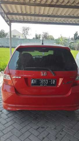 Honda jazz sporty 2006 merah MT murah bisa nego