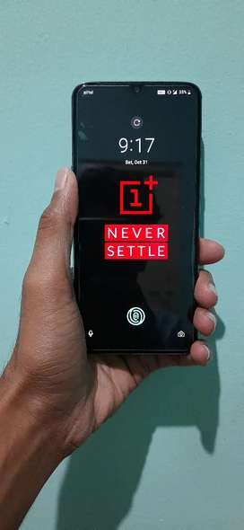 One plus 7 6gb  128gb 1 year used with all accesorios charger bill box