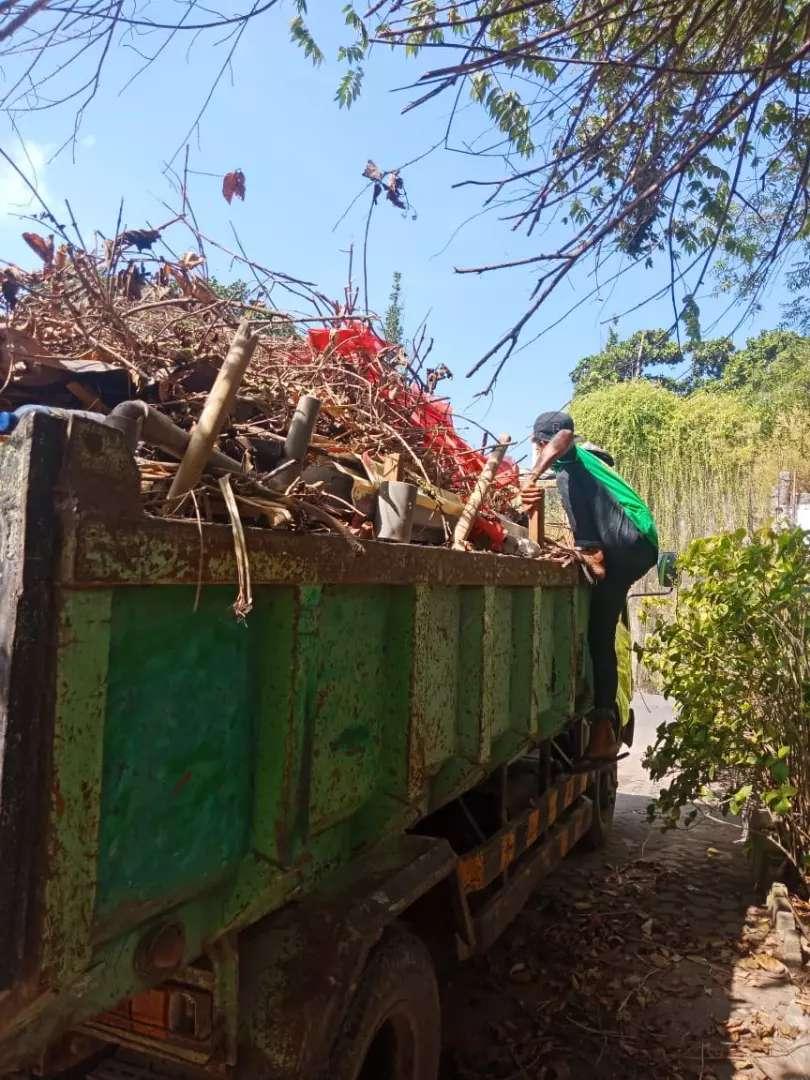 Jasa Buang Sampah Dam Truck 0