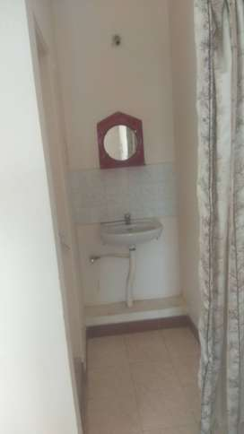 1Bh flat for rent suitable for bachelors