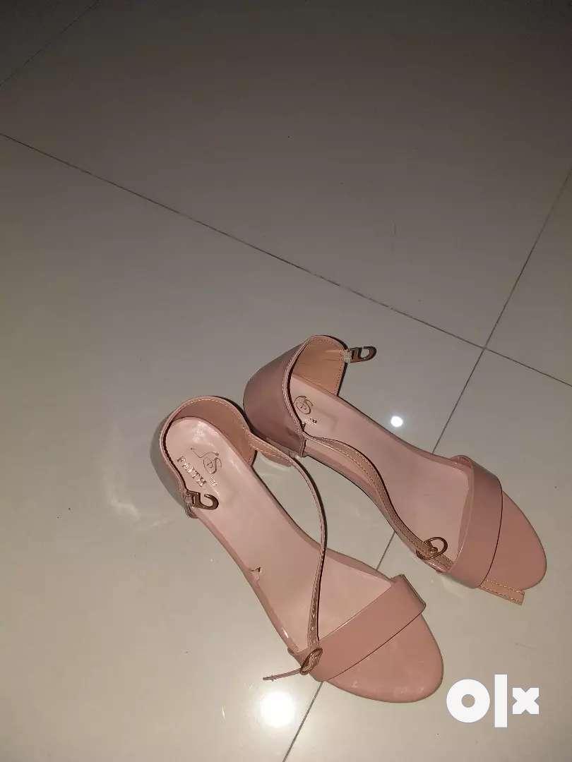 Heel sandal new h 0