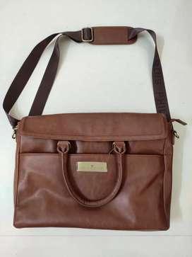 Louis Philippe Leather Bag unused