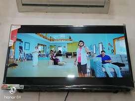 50 inch Ultra Hd smart 4k led tv with 1 year warranty'' //