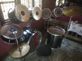 Music Drum set 9 piece (barely used)