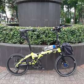 Sepeda lipat izi 20inc like new no minus murah