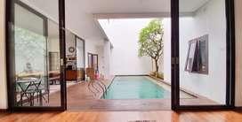 Rumah ada kolam renang siap huni di kebayoran residence bintaro jaya