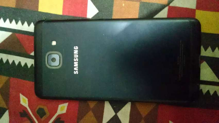 Samsung galaxy J7 Max first owner dibaba charger hand free 0