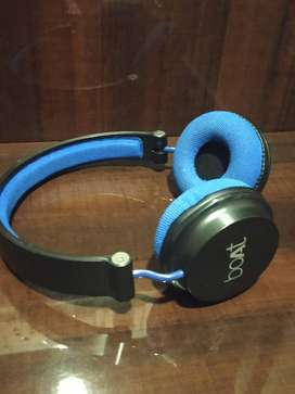 Boat Rockerz bluetooth headphones