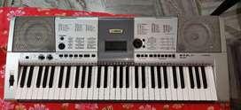 YAMAHA PSR i425 | Digital piano | Musical keyboard | In new condition