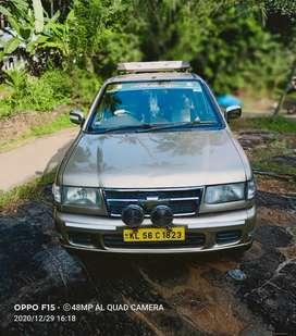 Chevrolet Tavera Light Gold 2010