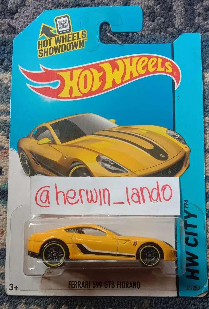 Sale Kolpri Hotwheels Ferrari