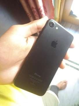 i phone 7 awsm condition everything avilable bill box charger
