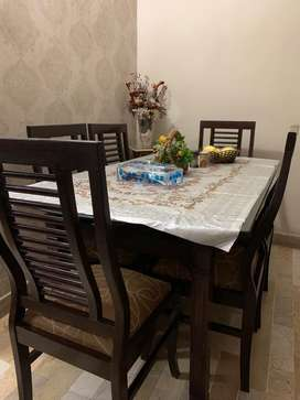 Dining table Glass top with 6 Chairs