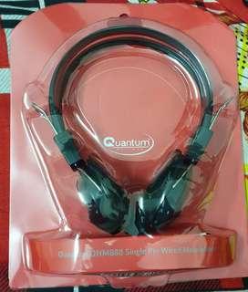 Quantam single pin wired headphone