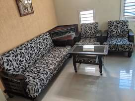 3+2 seater sofa with center table