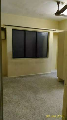 1 hk flat on rent at kothrud.. Ready possession..