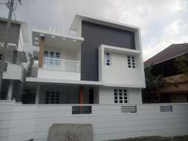 Ernakulam ponjeikara 2000sqft house
