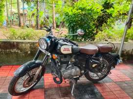Royal Enfield Classic 350 New Battery Very Neet.