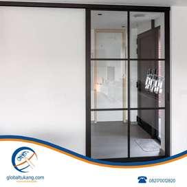 Tukang pasang pintu, jendela, partisi kaca,pintu kamar mandi aluminium