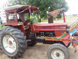 TRACTOR 640 85 HP