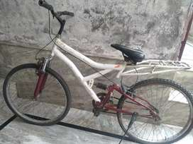 Hero Sprint Bicycle White colour ( 1 year used)