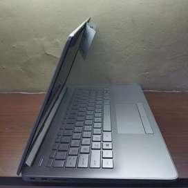 HP A9-9425 RAM 4 GB SSD 256 GB