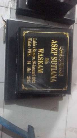Papan Nama Patok Plakat Batu Nisan Marmer Granit Keramik Rumput Makam