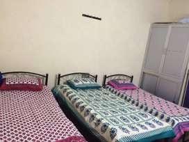 Rooms available for girls in Shankar nagar