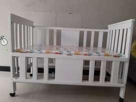 Sepaket box bayi dan table changing / meja rak bayi