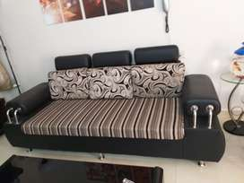 3 seater sofa (2 pieces), 2018 model (brand as new hardly used)