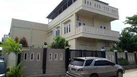 Dijual Rumah mewah + Home stay+ office / mini market + gym