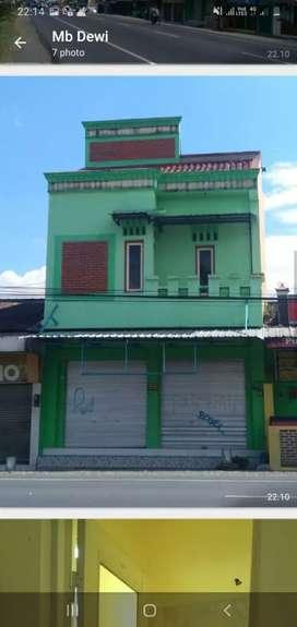 bangunan rumah, ada gudang, lantai bawah toko