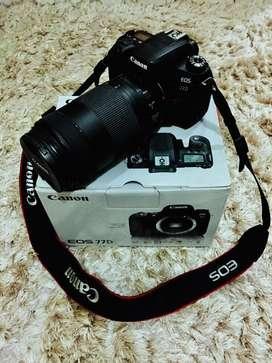 Kamera Canon EOS 77D