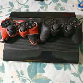 Ps3 500GB with two wireless original remotes