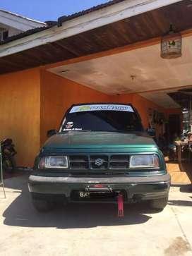 Mobil Suzuki Escudo