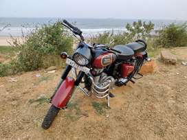 2016 model Royal Enfield classic 350 for sale