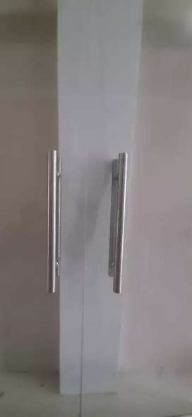 Pintu kaca 12 mm ukuran standar pintu bank