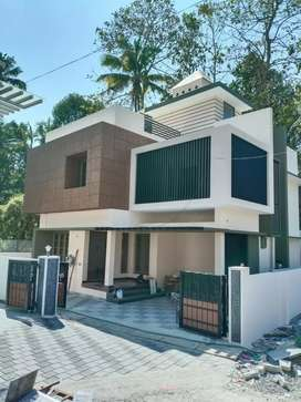 4 bhk 2200 sqft new build posh at kakkanad navodhaya near vayanashala