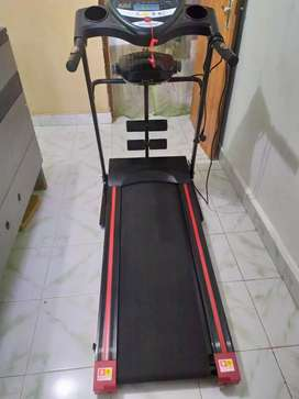 Treadmill Listrik Total Fitness TL 246 like new