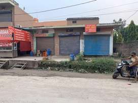 SHOP FOR SALE ON MAIN ROAD