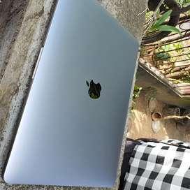 Nego Laptop Macbook Pro 2017 Retina Fullset 256GB Non Touchbar TSiring
