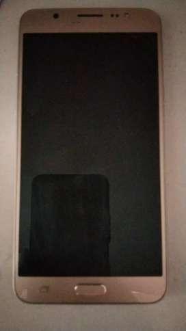 Folder kharab hai bus baki beautiful phone hai slim h kafi