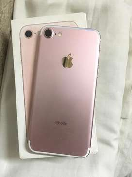Iphone 7 32gb rose gold new condition with phone charger and box
