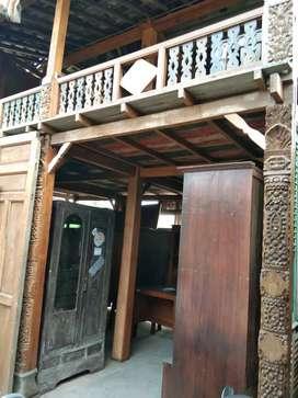 Rumah kayu jati unik