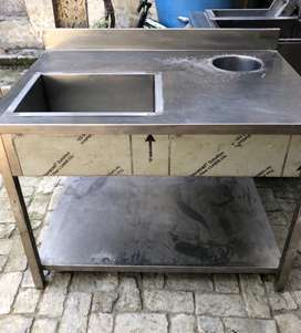 Fast food restaurant equipment, Bbq euipment as well as the dividers.