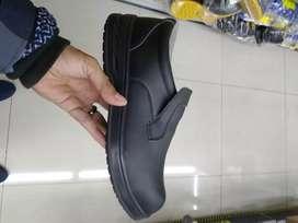 Sepatu pendek safty hitam krisbow