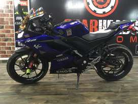 Yamaha R15 v3 for sale with full system orginal akrapovic exhaust.
