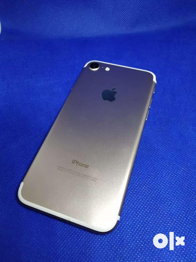 Apple iPhone 7 128gb golden 0