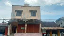 Ruko (Rumah Toko) 3 lantai di Jalan Utama