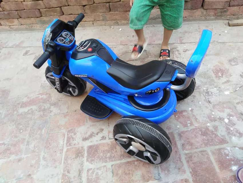 New 3 wheel kids bike only 2 time use 0